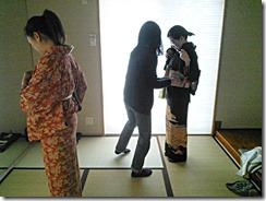 着付教室で他装と自装の練習 (1)