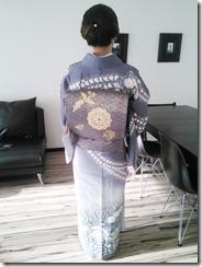 辻が花のかっこいい着物の出張着付に (2)