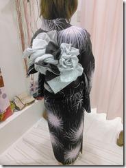 リボン帯を浴衣に着付けて (3)