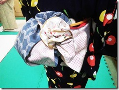 五日市シダックスで浴衣の着付け教室 (2)