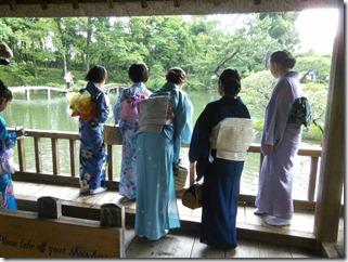 着物で縮景園のお茶会に (8)