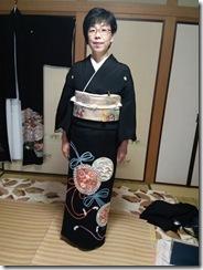 着付師 島さん黒留袖の出張着付 (2)