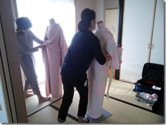 美容師さんの他装着付練習 (2)