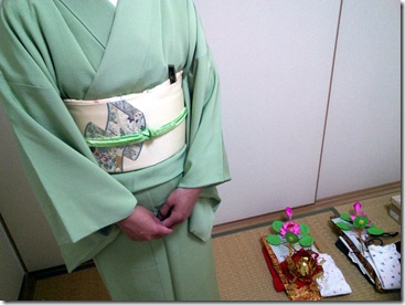 お寺の行事に色無地で (3)