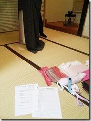 いよいよ着付のテスト (4)