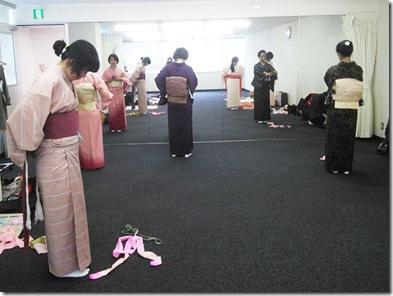 礼装着と初心者の着付練習をリビングカルチャーで
