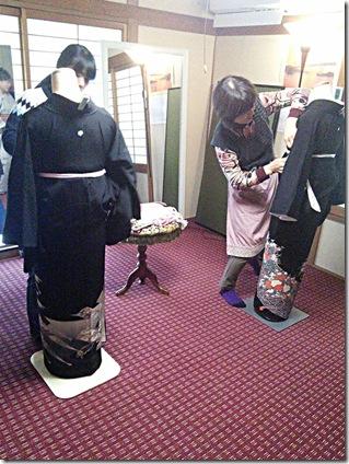 高須の教室で礼装着の着付テスト