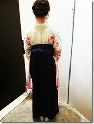 広島大学の卒業式に袴姿で (2)