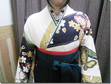 大町東のエボニー美容室へ袴の出張着付 (3)