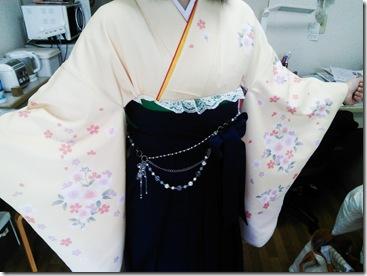 広島国際大学に袴の出張着付 (4)