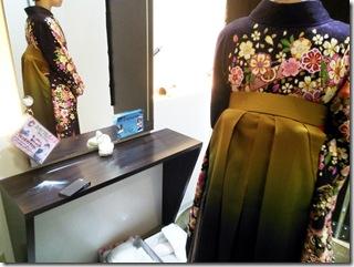 フォレオのガーデンエス美容室へ袴を着付に