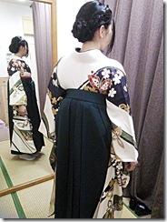 大町東のエボニー美容室へ袴の出張着付