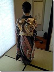 振袖と黒留袖でご親族の結婚式に (4)