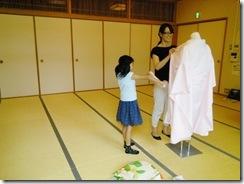 将来有望な着付師が練習会に (2)