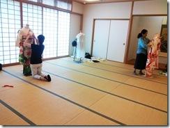 将来有望な着付師が練習会に (3)