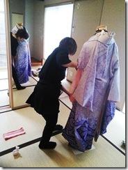 美容師さんの振袖きもの着付練習 (4)