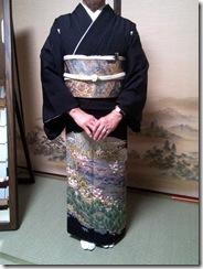 結婚式へ黒留袖で (2)