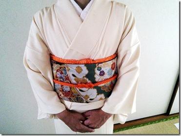 単衣の色無地に二重太鼓の出張着付 (3)