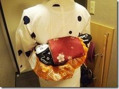 東京から来広のカープ女子に浴衣着付 (3)