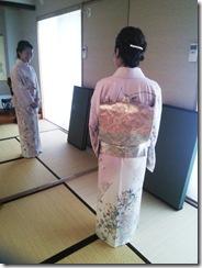教室で着付を学んで結婚式へ (6)