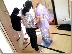 美和きもの教室で着物の他装着付練習 (5)