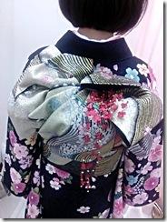 美容室へ艶やかな紫の振袖を着付に(*^_^*)♪