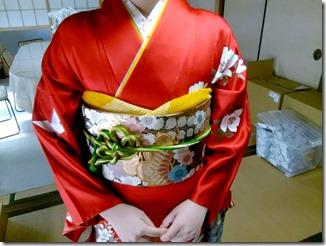 安佐南区のお寺さんへ振袖の出張着付 (1)