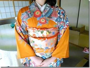 安佐南区のお寺さんへ振袖の出張着付 (11)