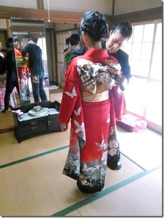安佐南区のお寺さんへ振袖の出張着付(^o^)♪