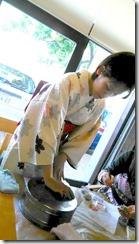 またまた着物でグランプリ受賞の旬月へ和菓子体験 (11)