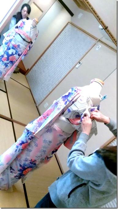 しっかりと振袖の他装着付を学んで (10)