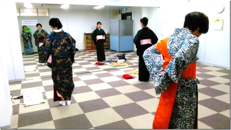 リビングカルチャー木曜日の着物教室 (3)