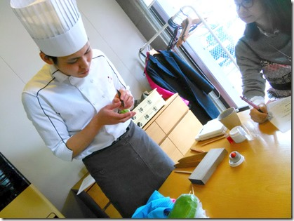 グランプリ受賞の島田先生から学ぶ和菓子作り (5)