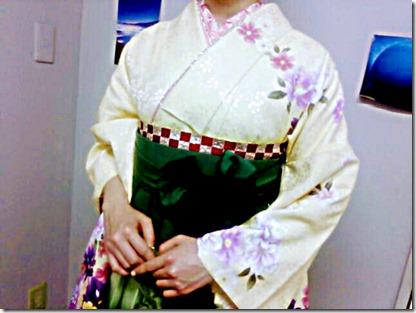 素敵な袴姿で大学の謝恩会に (2)