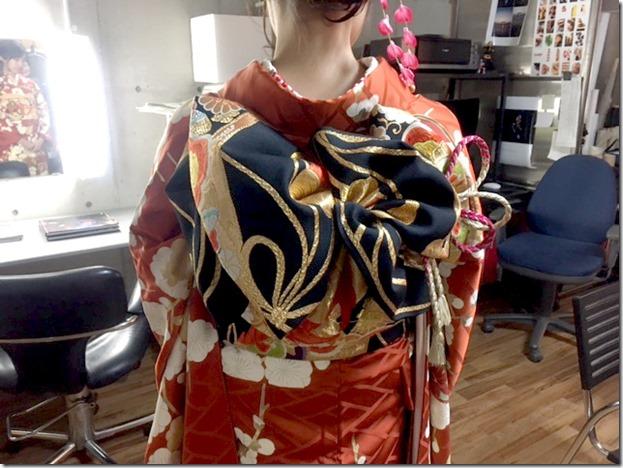 成人式の後撮りに素敵な半襟刺繍と振袖で(*^^*)♪