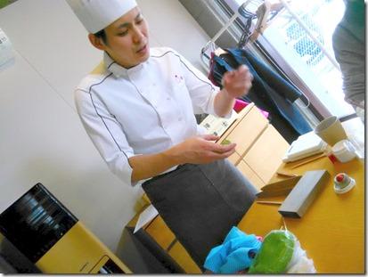 グランプリ受賞の島田先生から学ぶ和菓子作り (6)