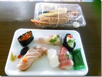 着物で寿司三昧の唐戸市場へ (1)