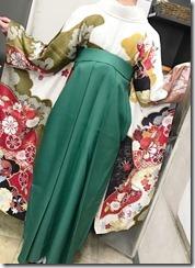 安佐南区の美容室ハーツへ袴の出張着付に (3)