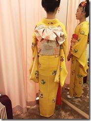 お似合いの日本髪に着物で十三詣りへ (2)