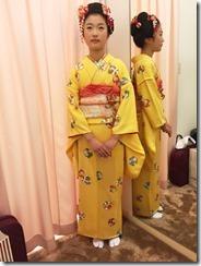 お似合いの日本髪に着物で十三詣りへ (1)