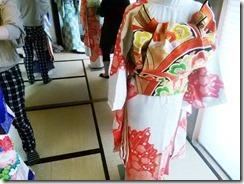色鮮やかな振袖着付け練習 (3)