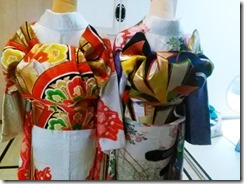 色鮮やかな振袖着付け練習 (1)