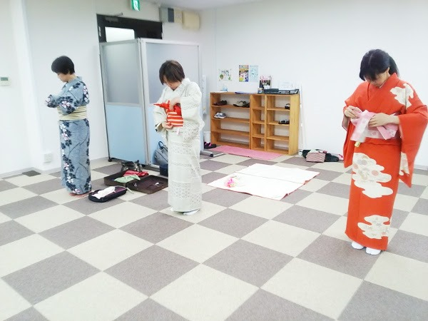 広島リビングカルチャーの着物着付け教室(*^^*)♪