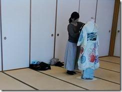実践 着付師からバランスの良い美しい着付を学ぶ (1)