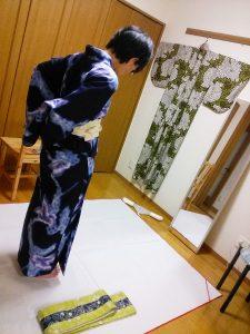 浴衣の半巾帯を練習中