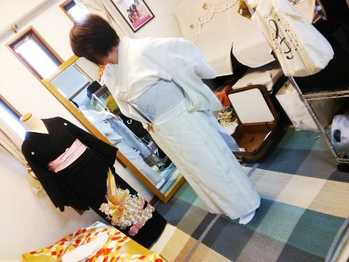 島先生が担当する広島市東区中山の着付け教室では