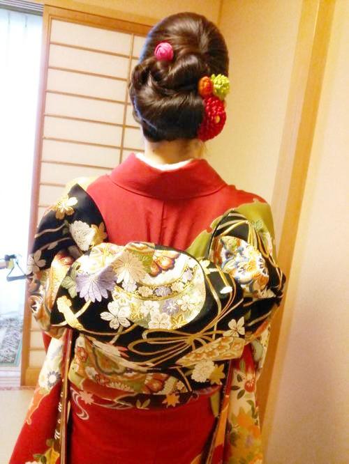 華やかな振袖にふくら雀の帯結とヘアセット