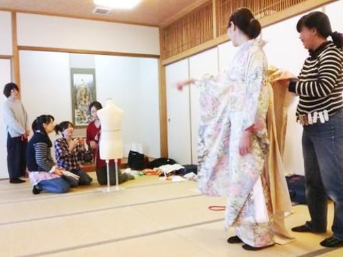 広島の着付教室も成人式に向けて