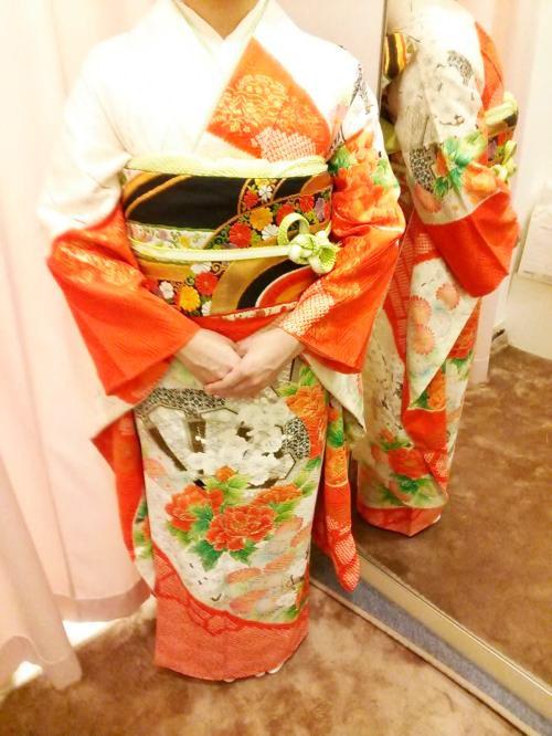 広島のホテルで振袖の出張着付に