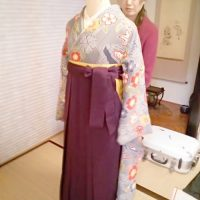 卒業式シーズンに向けて袴の着付練習